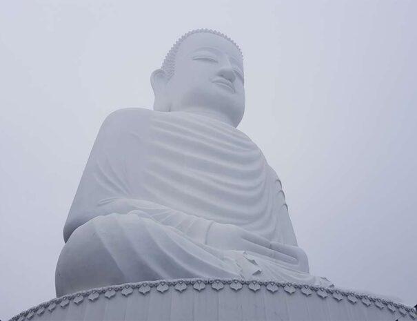 ba-na-hills-golden-bridge-sun-world-buddha