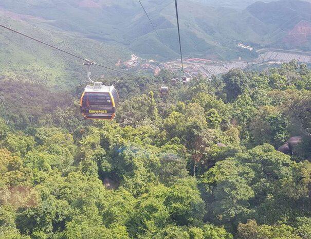 ba-na-hills-golden-bridge-sun-world-lift