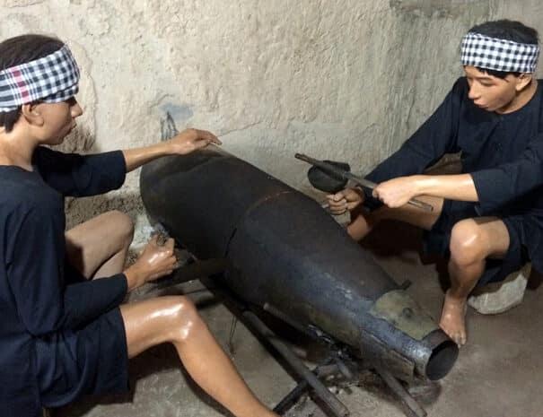 cu-chi-dukker-bombe