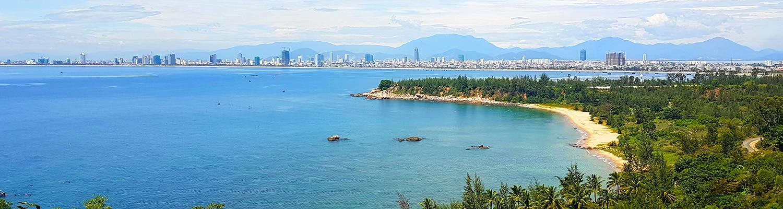 Danang, udsigt over Danang fra toppen af et bjerg.