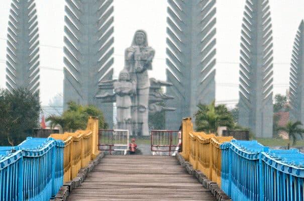 DMZ - oplev grænsen mellem nord og sydvietnam samt Vinh Moc tunnelerne.