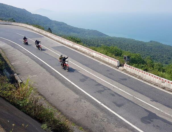 easy-rider-hue-hoi-an-koersel-kysten