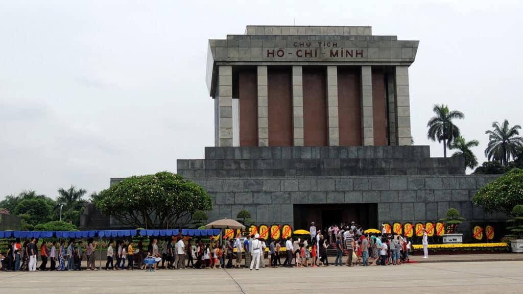 Hanoi city tour - se Ho Chi Minh mausoleum i Hanoi
