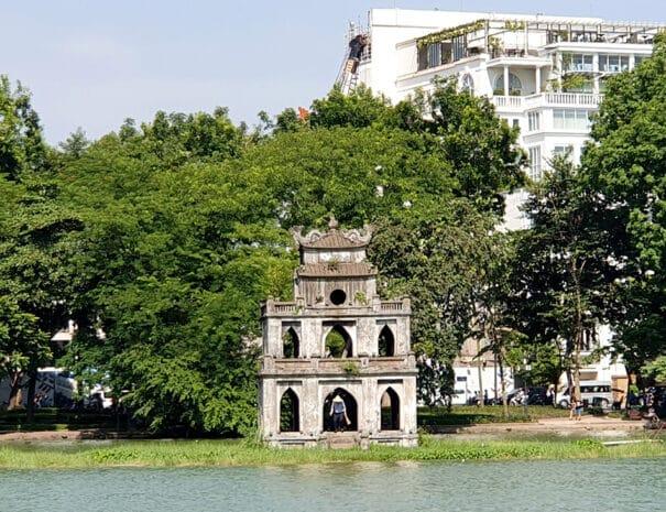 Sværd-tårnet i Hoan Kiem lake i Hanoi.