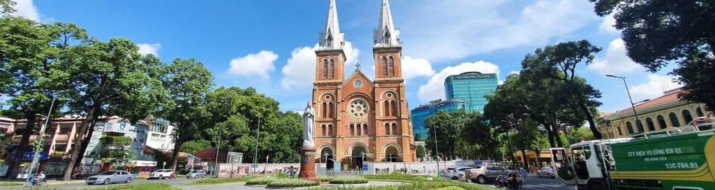 Ho Chi Minh City byrundtur. Oplev Vietnams største by med Vietnam Rejser.