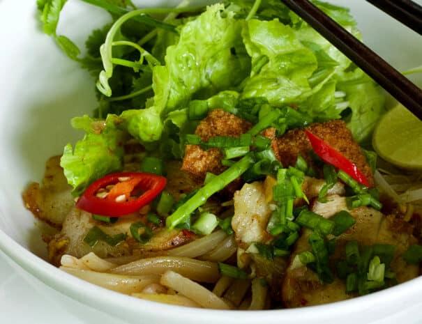 hoi-an-cooking-class-cao-lau