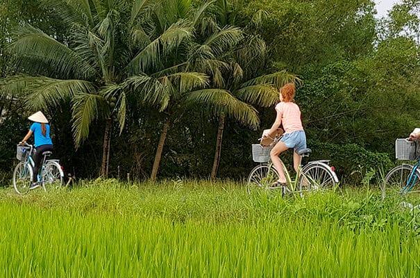 Cykeltur i Hoi An - Hoi An er en cykelby og byder på landelige omgivelser hvor du besøger de lokale.