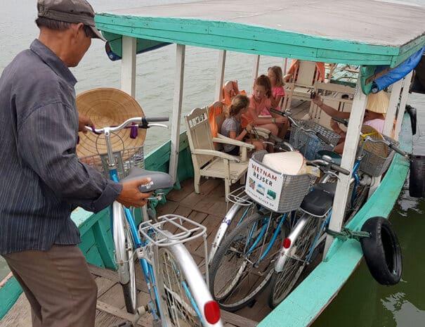 hoi-an-cykeltur-transport-baad