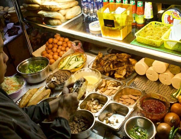 hoi-an-food-tour-banh-mi