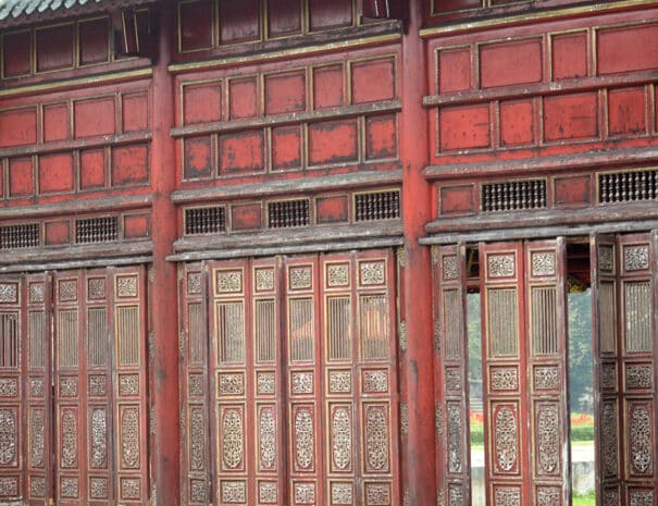 hue-city-tur-tempel-doer
