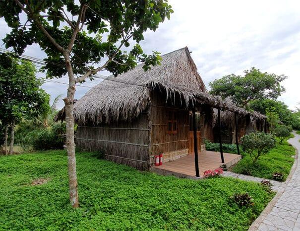mekong-delta-bungalows-front