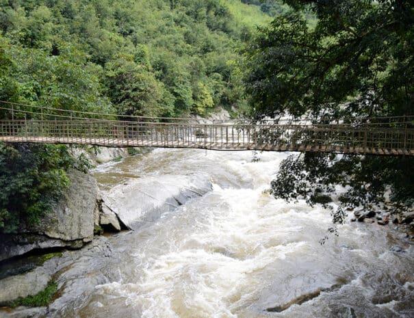sapa-bjerge-flod-bro